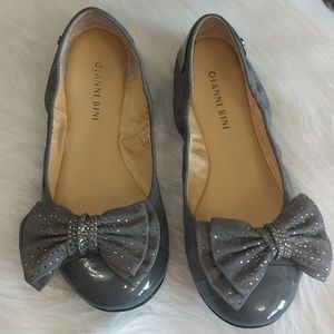 GIANNI BINI Grey Sequin Bow Ballet Flats